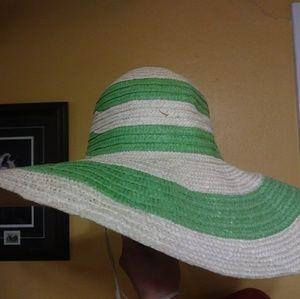 Wavy Sun Hat